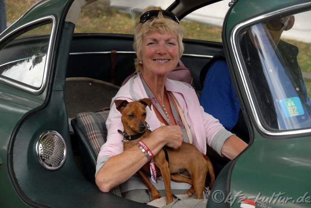 Schloss Dyck Classic Days 2008 Dame mit Hund